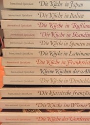 16 Bände INTERNAT. SPEISEKARTE mit Rezeptbüchern